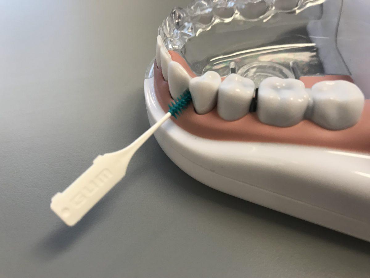 Ahtaiden hammasvälien puhdistus